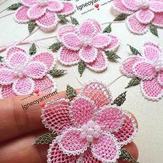 Crochet Flower Patterns, Crochet Flowers, Crochet Crocodile Stitch, Needle Lace, Needlework, Crochet Earrings, Arts And Crafts, Embroidery, Beads