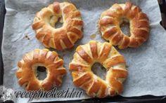 Almás napsugár kalácskák Onion Rings, Pineapple, Fruit, Ethnic Recipes, Food, Pinecone, Eten, Meals, Onion Strings