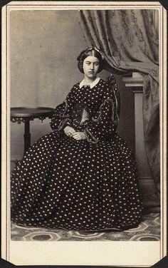 CDV by Mrs Stuart by Boston Public Library Edwardian Fashion, Gothic Fashion, Victorian Hairstyles, Victorian Women, Victorian Era, Old Photography, Black And White Portraits, Gothic Lolita, Vintage Photos