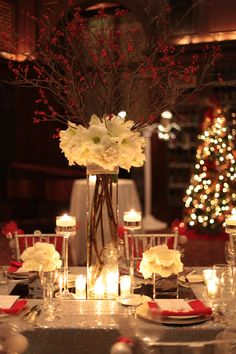 Fox Rehabilitation Event - December 2011 - Photo by Hello Gorgeous Photography & Table Arrangement and Flowers by TableArt.