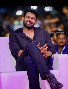Prabhas has something on his mind and we can give you a hint of what that is. - This is what Prabhas is doing during his long holiday in the US Film Images, Actors Images, Hd Images, Beauty And Beast Quotes, Darling Movie, Prabhas And Anushka, Prabhas Actor, Telugu Movies Download, Prabhas Pics