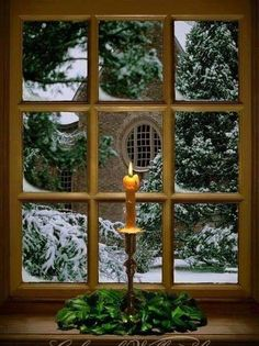 Candle in the window - Irish Christmas traditions