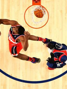 John Wall put up a memorable final dunk to claim the Sprite Slam Dunk Contest. England Fans, Kyle Lowry, Nba League, John Wall, Eastern Conference, Nba Wallpapers, Washington Wizards, Nba Sports, February 15