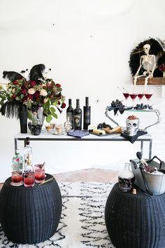 6 Tips for Creating a Charming Halloween Bar / Halloween Party Ideas / Fall Entertaining / Halloween Bar / Halloween Cocktail Recipes / Cocktail recipes / Easy Entertaining