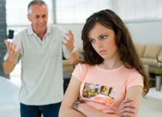 Struggling with your relationship with your daughter? Difficult father daughter relationships happen often, but they can be remedied. Here's how to keep things smooth sailing for you and your best girl. Parenting Teenagers, Parenting Memes, Parenting Advice, Parenting Styles, Foster Parenting, Narcissist Father, Lifetime Movies, Teenage Daughters, Sons