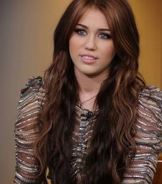 Miley Cyrus Long Wavy Curly Hairstyles 2017 Light Brown