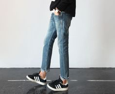 STYLE : black and white Adidas sneakers • cutted straight blue jeans • black sweater • classic watch