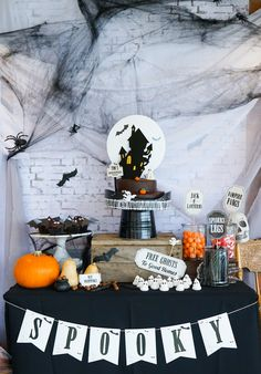 Create the whole shebang for a Halloween Party with printable party decor! White brick table backdrop, striking Halloween cake toppers and loads of swooping bats and fabulous signs! Halloween First Birthday, Halloween Party Snacks, Halloween Drinks, Halloween Projects, Diy Halloween Decorations, Halloween Party Decor, Halloween Activities, Holidays Halloween, Halloween Kids