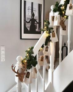 R home & style в Instagram: «Einen schnellen Abendgruß ⭐ heute mal mit dem Adventskalender Nr.2 von unserem…» Diy Advent Calendar, Linen Bag, Ladder Decor, Christmas Gifts, Rustic, Table Decorations, Furniture, Instagram, Home Decor