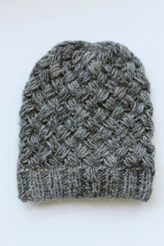 This warm and soft beanie is knitted in basketweave pattern using Novita Lehto yarn. Intarsia Patterns, Lace Patterns, Knitting Patterns Free, Free Knitting, Tunisian Crochet, Knit Crochet, Knit Beanie Pattern, Purl Stitch, Garter Stitch