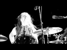 The White Stripes - Dead Leaves And The Dirty Ground (Video) - YouTube