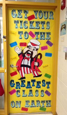 Here is your circus or carnival theme classroom door! {picture only, broken link}