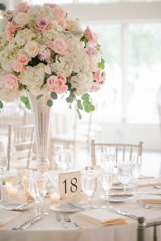 #JenelleKappePhotography #centerpiece #tallcenterepiece #wedding #reception #tabledecor #weddingflowers #laurelwooddesigns