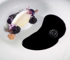 Lemon peel sorbet with wild blackberry purée - El Bulli