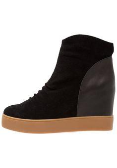 1521 mejores imágenes de Zapatillas para mujer :: Zapatillas