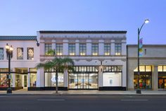 Apple Store - 54 West Colorado Boulevard—Pasadena, CA
