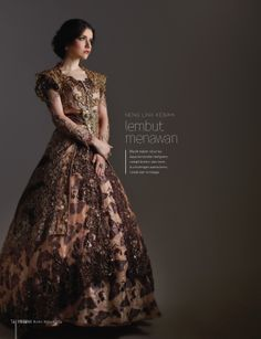 #kebaya #pengantin #modern, warna coklat keemasan desain #Arif Susanto Ho, tinggal di #Bandung, #Indonesia. Call. +62 8122369878