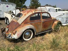 Car enthusiasts come in all shapes, sizes, and tastes. The seller of this particular 1957 oval-window Volkswagen deliberately set out to create the car that you see here. Volkswagen, Vw Bus, Rust In Peace, Best Barns, Barn Garage, Barn Finds, Vw Beetles, Automatic Transmission, Hot Cars