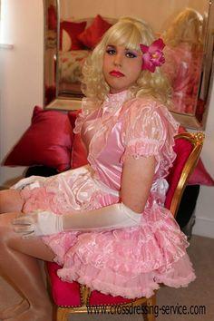 Les 1183 meilleures images du tableau sissies and french maids sur pinterest uniforme de femme - Uniforme femme de chambre ...
