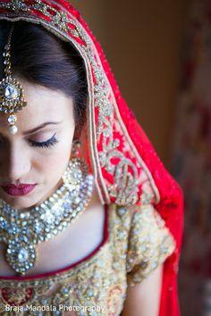 View photo on Maharani Weddings http://www.maharaniweddings.com/gallery/photo/77931