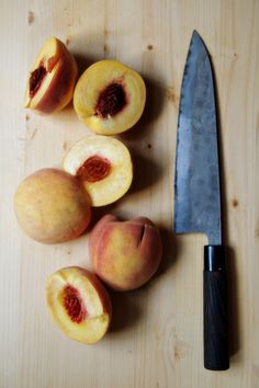 Pickled Peaches | http://biscuitsandsuch.com/2015/10/05/pickled-peaches/