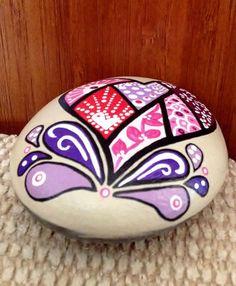 Pintadas de piedra corazón de San Valentín por AfterHourArt