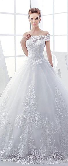 Elegant Tulle Off-the-shoulder Neckline Ball Gown Wedding Dresses With Lace Appliques