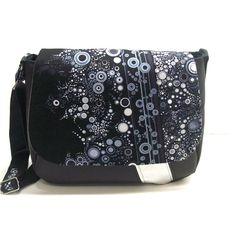 cbd4a57296 Un grand marché - Vendez, achetez des créations fait main et 100%  françaises. Besace noir et gris a motifs bulles , sac bandouliere en simili  cuir ...
