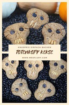 Einfache Halloween Cookies - Totenkopf Kekse Mrs Flury  Skull Cookies   Halloween Kekse  #skull #cookies #halloween #eatgoodfood #mrsflury