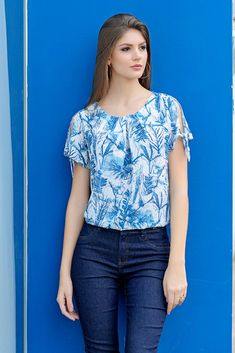 Blouse Models, Teen Fashion Outfits, Blouse Designs, Chiffon Tops, Dress Skirt, Designer Dresses, Doll Clothes, Clothes For Women, Chic Clothing
