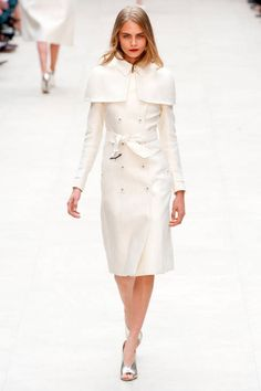 Burberry Prorsum Spring 2013 Ready-to-Wear Runway - Burberry Prorsum Ready-to-Wear Collection - ELLE