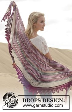 "Knitted DROPS shawl with stripes and lace pattern in ""Fabel"" and ""Delight"". ~ DROPS Design"
