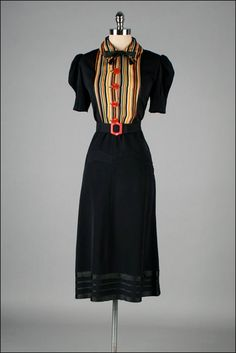1940s Dress .Cotton .Bakelite