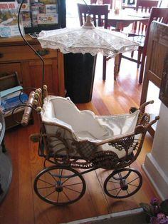 ANTIQUE VICTORIAN ORNATE WICKER BABY DOLL STROLLER CARRIAGE BUGGY