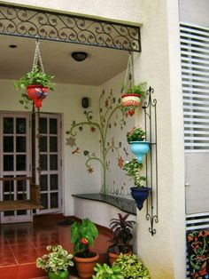 Hanging plants, creative ideas for hanging plants indoors and outdoors - indoor outdoor hanging planter ideas This is lovely… The post nice Aww. This is lovely…… appeared first on Home Decor Designs .Open terrace sit outDIY Network has inexpens Hanging Plants, Indoor Plants, Indoor Outdoor, Porch Plants, Outdoor Decor, House Plants Decor, Plant Decor, Balcony Design, Garden Design