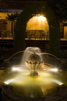 #parador de #Pontevedra ideal para #bodas #medievales #palacios #encanto jardín iluminado