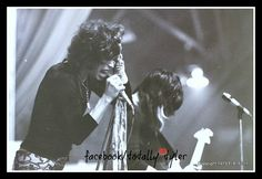 ITZ 70'S MEMORIES MONDAY ON FACEBOOK/TOTALLY TYLER WITH @IamStevenT and @JoePerry ... WHAT'S YOUR MEMORY???
