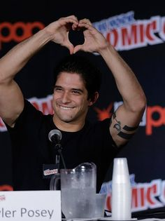 Tyler Posey from Teen Wolf New York Comic-Con 2015 - Day 2 at The Jacob K. Javits Convention Center on October 2015 in New York City. Tyler Posey Teen Wolf, Teen Wolf Scott, Teen Wolf Boys, Teen Wolf Dylan, Stiles Teen Wolf, Scott Mccall, Dylan O'brien, Tyler Garcia Posey, Tenn Wolf