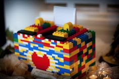 Lego card box - H would love making this for his valentines at school but not sure I want to potentially lose that many legos LOL Homemade Valentine Boxes, Valentine Day Boxes, Valentine Day Crafts, Valentine Ideas, Printable Valentine, Valentine Wreath, Valentines Card Holder, Lego Valentines, Valentines For Boys