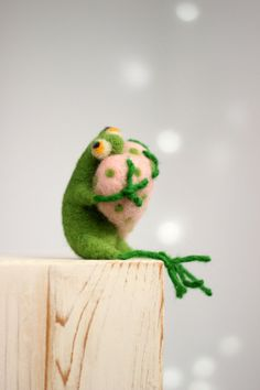 Needle Felt Frog - A Little Felt Green Frog With A Pink Heart