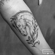 Nice  #horse #tattoo by Léo Marsiglia.