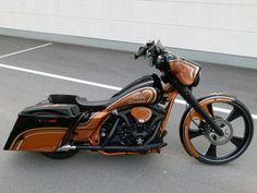Harley Davidson FLHXI *Copper Graphix Bagger* Street Glide Umbau