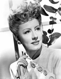 cinematicfinatic Hollywood Makeup, Hollywood Cinema, Chicago Musical, The Awful Truth, Show Boat, Irene Dunne, The Age Of Innocence, Star Character, Seamless Transition