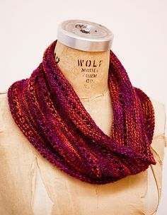 Mountain Colors Twizzle Ravelry: The Bella Cowl pattern by Keri McIntyre Knit Or Crochet, Crochet Scarves, Knitting Scarves, Crochet Granny, Hand Crochet, Crochet Bikini, Knitting Patterns, Cowl Patterns, Knitting Projects