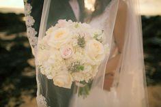 Beautiful bridal bouquet and wedding veil - Anna Kim Photography
