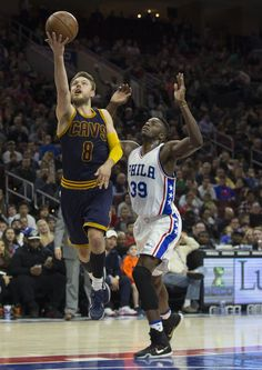 Matthew Dellavedova Photos - Matthew Dellavedova  8 of the Cleveland  Cavaliers attempts a shot past a2dddac3e