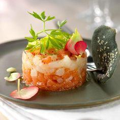 Tartare de bar au pamplemousse rose, tuile à l'encre de seiche et sésame - Madame Le Figaro !