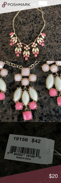 ViVI Pink & Gold Necklace NWT Received as a gift & never worn!  ViVI Jewelry Necklaces