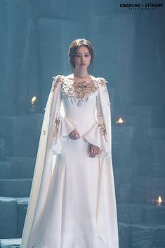 [Kim Jiwon] Tanya is back! Ball Dresses, Bridal Dresses, Ball Gowns, Evening Dresses, Prom Dresses, Dress Outfits, Fashion Dresses, Dress Up, Pretty Dresses