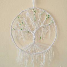Zimowo -wiosenne drzewko  #tree #dream #dragonfly #handmade #white #green #ręcznierobione #drzewko #nici #koraliki #ważka #mikadiakow @mikadiakow